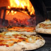 Pizza lover? You can always find it on the menu of the Il Baracchino Restaurant Pizzeria